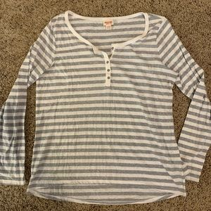 Grey striped long sleeve tee